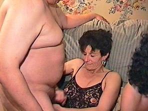 Ебля с двумя старушками