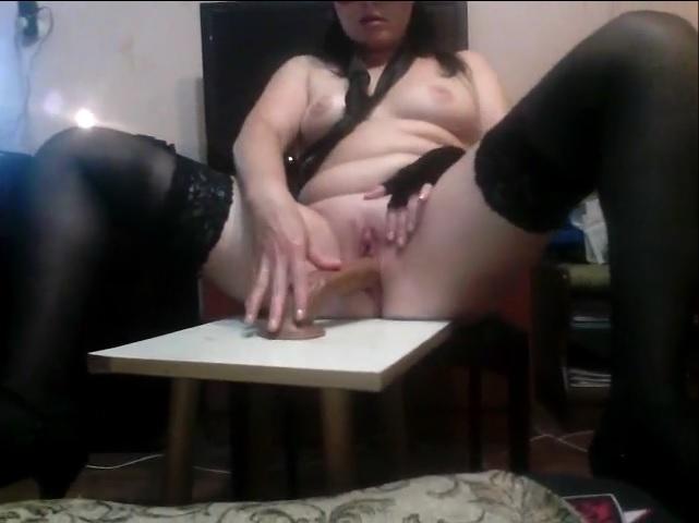 Секс игрушка на присоске
